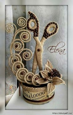 Technique Of Jute Filigree - - Diy Crafts - Twine Crafts, Craft Stick Crafts, Diy Craft Projects, Diy And Crafts, Arts And Crafts, Burlap Flowers, Fabric Flowers, Coffee Bean Art, Coffee Crafts