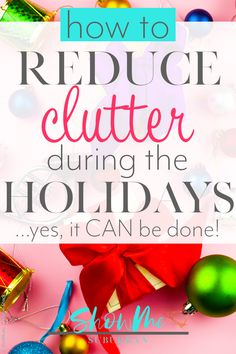 Don't let a messy house ruin your holidays! These 5 easy and practical tips will show you how to reduce clutter during the holidays, from Halloween all the way through Christmas. Declutter Bedroom, Declutter Home, Declutter Your Life, Organizing Your Home, Clutter Solutions, Messy House, Clutter Control, Clutter Free Home, Konmari