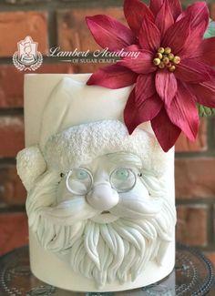 BasRelief Santa - cake by Lesi Lambert - Lambert Academy of Sugar Craft Christmas Cake Designs, Christmas Cake Decorations, Holiday Cakes, Xmas Cakes, Christmas Baking, Christmas Cookies, Christmas Treats, Bolo Fack, Winter Torte
