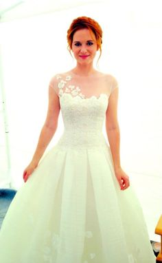 Sarah Drew as April Kepner on Greys Anatomy ♥ I fell in love with her dress!