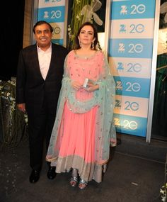 rct2vlhzup3fyru7.D.0.Industrialist-Mukesh-Ambani-with-wife-Nita-Ambani-at-Zee-TV-20-years-completion-celebration-party-in-Mumbai.jpg (1331×1611)