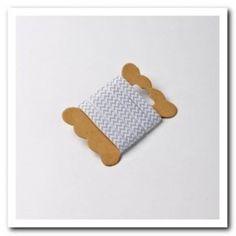 Ruban à chevrons de couleur gris pour nouer vos contenants, agrémenter vos serviettes ou vos verres.