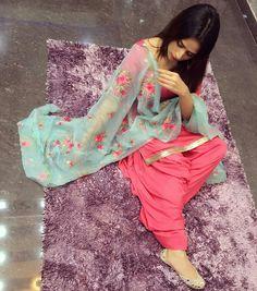 You can find Designer punjabi suits and more on our website. Patiala Suit Designs, Salwar Designs, Kurti Designs Party Wear, Blouse Designs, Designer Punjabi Suits, Indian Designer Wear, Designer Sarees, Punjabi Fashion, Indian Fashion
