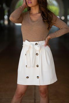 Paperbag Waist Skirt Styled Two Ways - Stylish Petite White Skirts, Mini Skirts, Stylish Petite, Trench Dress, Suede Moto Jacket, Next Clothes, Petite Women, Plaid Blazer, Black Tights