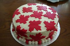 Don't let the weather get you down this Canada Day. Barrel through with an amazing Canada Day recipe that'll make you forget about the dreary rain. Canada Day Long Weekend, Canada Day Party, Happy Canada Day, Canadian Party, Top Image, Canada Holiday, Holiday Treats, Cupcake Cakes, Cupcakes