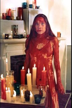 The career-defining role of Carrie earned actress Sissy Spacek an Oscar nomination for best actress in 1977 Carrie Halloween Costume, Fete Halloween, Halloween Outfits, Sissy Spacek, Halloween Eye Makeup, Halloween Eyes, Carrie Horror Movie, Carrie Movie 1976, Scary Movies