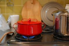 DANSK/ダンスク/コベンスタイル2/両手鍋 18cm(赤) - 北欧雑貨と北欧食器の通販サイト| 北欧、暮らしの道具店
