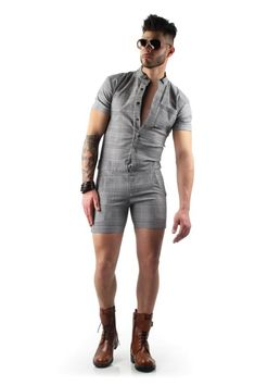 Looking for mens plaid romper for sale? Shop for grey short sleeve male romper shorts on Differio in glen plaid pattern. Buy plaid short rompers for men here! Men Looks, Mens Fashion Shoes, Fashion Outfits, Herren Outfit, Overall, Casual Summer Outfits, Men Casual, Smart Casual, Menswear