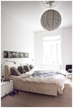 Foto panorâmica como cabeceira - cama casal  lustres de chambre a coucher - Pesquisa Google