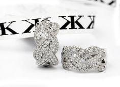 #diamondearrings #jewellery #diamondjewellery #diamondringsmelbourne #bykalfinjewellery #collinsst #design #details #engagementringsmelbourne #weddingband #bestjeweller #artdeco #jewellersmelbourne #gentsring #giftidea #earrings #studs  www.kalfin.com.au