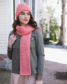 This is a fun and easy project for the confident beginner who has learned the basic crochet stitches and is ready to learn a simple, yet beautiful, crocheted cable. Featuring the Arrow/Reverse Arrow cable, this project works up quickly and easily.