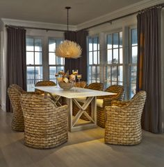 Breakfast table- so cozy!