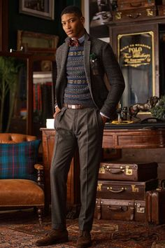Polo Ralph Lauren Fall 2020 Menswear Fashion Show Collection: See the complete Polo Ralph Lauren Fall 2020 Menswear collection. Look 2 Polo Ralph Lauren, Ralph Lauren Style, Preppy Mens Fashion, Mens Fall, Dress With Boots, Gentleman Style, Preppy Style, Models, Mannequins