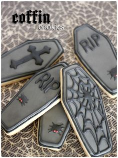 """Coffin shaped and decorated sugar cookies. My Halloween cookie collection needed a bit of darkness and now I have it. The teen goth in me that never was is rejoicing."" >>>>Like these-- plus, enjoyed reading the previous pinner's description! Halloween Cookies Decorated, Halloween Sugar Cookies, Halloween Baking, Halloween Goodies, Halloween Food For Party, Halloween Desserts, Halloween Treats, Zombie Cookies, Halloween Biscuits"