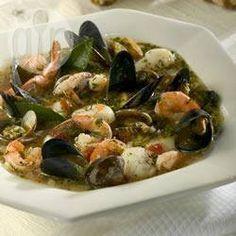 Foto da receita: Cioppino (caldeirada de frutos do mar)