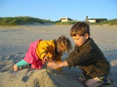 Two Seattle families with young kids find fun in a shared beach house at Manzanita, Ore.