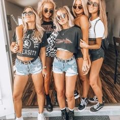 Look festival ❤ Festival Looks, Festival Mode, Festival Wear, Acl Festival, Festival Shorts, Cochella Outfits, Mode Outfits, Fashion Outfits, Casual Outfits