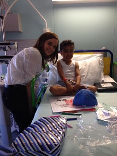 Emma Watson - visit patients at the Great Ormond Street Hospital Children's Charity in London (June Ema Watson, Emma Watson Style, Studyblr, Emma Watson Quotes, Emma Love, Harry Potter Cast, Childrens Hospital, Alyssa Milano, Hermione Granger