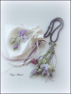 Ribbon flowers, Nigar Hikmet, tesbih
