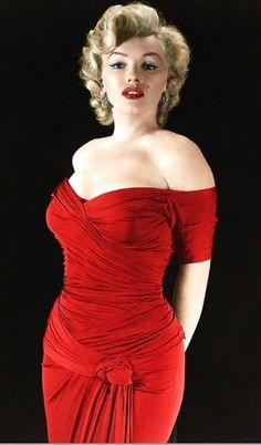 Marilyn Monroe, in more ravishing red.