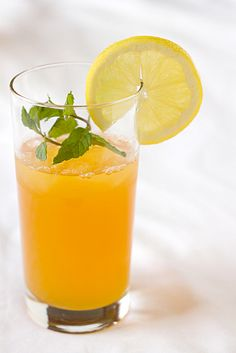 fresh ginger-tea lemonade = summer in a glass!