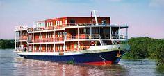 """La découverte de l'activité """"lacustre"""" du Mékong, nous plonge dans l'ambiance animée que créent les habitants de la région. Au marché flottant de Can Tho, véritables halles sur l'eau..."""