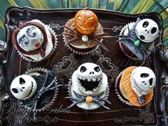 Ghoulishly Great 'Nightmare Before Christmas' Cakes - Nightmare Before Christmas Cupcakes