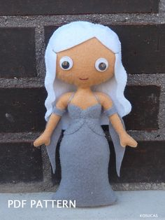 PDF pattern to make a felt doll inspired in Jon Snow by Kosucas