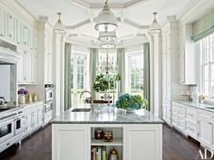 This breathtaking Houston home was featured in the December 2013 issue of Architectural Digest, and I'm not sure how I missed it. Fortunately, it has been floating around Pinterest, and the stunning powder bath with its exquisite Gracie wall coverings caught my eye. The Federal style home, which belongs to Susanne and Bill Pritchard, was designed by architect …