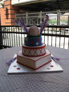 Google Image Result for http://www.reevescakeshop.com/Wedding%20Cake%20Pages/baseball%20wedding%20cake.jpg