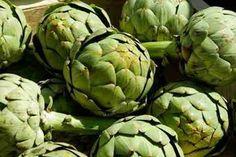 Souvent, le plus difficile pour acheter des fruits et légumes de saison, c'est de se souvenir du calendrier. Voici le tableau récapitulatif des fruits et légumes de saison pour le mois d'avril !  Découvrez l'astuce ici : http://www.comment-economiser.fr/tableau-fruits-et-legumes-de-saison-mois-avril.html?utm_content=bufferd10a1&utm_medium=social&utm_source=pinterest.com&utm_campaign=buffer