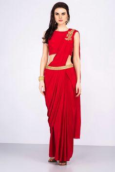 NISHA SAINANI red pre draped dupatta #flyrobe #weddings #indianweddings #mehendioutfits #indianbride #designerwear #predrapedsaree