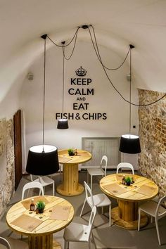 restaurant ideas Zoom na wntrze - restauracja The - restaurant Deco Restaurant, Restaurant Ideas, Industrial Restaurant, Modern Restaurant, Restaurant Kitchen, Deco Cafe, Café Bar, Burger Bar, Restaurant Interior Design