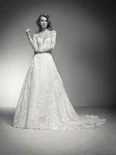 India: A-line wedding dress backless Pronovias Pronovias Dresses, Pronovias Wedding Dress, Wedding Poses, Wedding Dress Styles, Tattoo Wedding Dress, Empire Line Wedding Dress, Amazing Wedding Dress, Bride Gowns, Plus Size Wedding