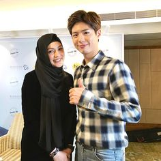 """""""nadiaannuar: Done with my interview for today with the Korean star Park Bo Gum from the drama Love in the Moonlight. Nice guy! Thumbs up! #hidupmestiadawow #parkbogum #bogumpark"""""""