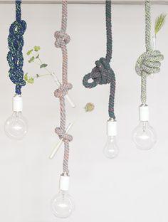 照明コードをロープのように結んで絡めてファッショナブルにインテリアを楽しめる、カラフルでお洒落なファブリックロープのペンダントランプ、tricote rope pendant lamp。