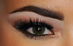 to be able to do my eye makeup like this would be incredible