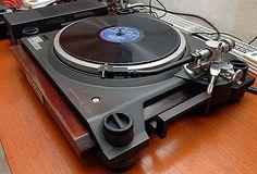 - Kenwood L07D Turntable - #recordplayer #turntable #kenwood #music #audio #records #vinyl http://www.pinterest.com/TheHitman14/the-record-player-%2B/