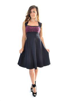Robe évasée sweetheart en coton noir et violet : Robe par gwaelonna