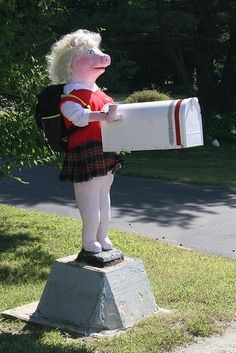 Miss Piggy Back-to-School Mailbox