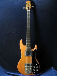OVATION  Magnum Bass lll 1980s