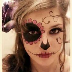 Mira 5 opciones de disfraces de Halloween fáciles que puedes conseguir sólo con maquillaje y algo en tu closet.