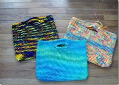 a blog about knitting and spinning, free knitting pattern links, along with tutorials.