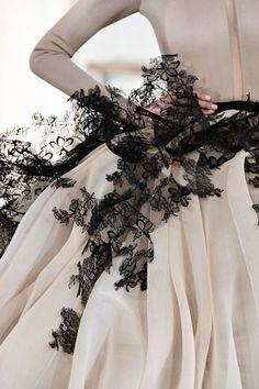 Beautiful Fashion Details...Stéphane Rolland.