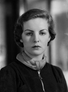 Deborah Vivien Cavendish (née Freeman-Mitford), Duchess of Devonshire Half-plate nitrate negative, 30 March 1938. Deborah Vivien Cavendish, Duchess of Devonshire, DCVO (born Freeman-Mitford; 31 March 1920 – 24 September 2014) was an English writer,...