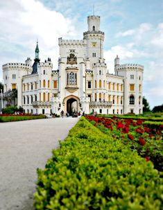 Hluboká Castle is a historic castle located in Hluboká nad Vltavou, and is considered one of the most beautiful castles in the Czech Republic. Places Around The World, Oh The Places You'll Go, Places To Travel, Places To Visit, Around The Worlds, Beautiful Castles, Beautiful Buildings, Beautiful World, Beautiful Places