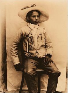 """""""Colonel Carmen Amelia Robles, Afro Mexican Woman Leader in the Mexican Revolution"""" Mexico provided a safe haven for black Freedom Seekers. Mexicans fought in their defense to prevent the spread of slavery in what is currently known as Texas. Women In History, Black History, Kings & Queens, Mexican Revolution, Black Cowboys, Black Cowgirl, By Any Means Necessary, Female Soldier, Mexicans"""