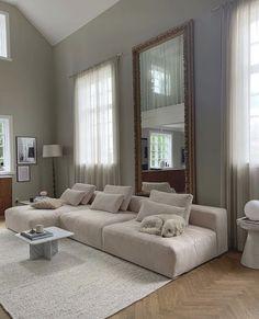 Home Room Design, Dream Home Design, Home Interior Design, Living Room Designs, Home Decor Bedroom, Home Living Room, Living Room Decor, Aesthetic Rooms, Dream Rooms