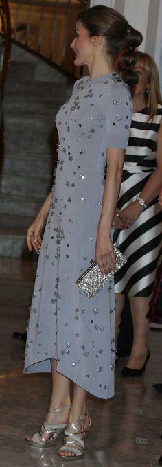 #Nina Ricci, bolso #FelipeVarela, zapatos #Magrit.