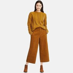 Captivating Cropped Trousers Ideas For Summer To Have - Cropped Trousers Outfit, Peg Leg Trousers, Trousers Women, Pants For Women, Uniqlo, Inspiration Mode, Wide Pants, Leggings, Clothes